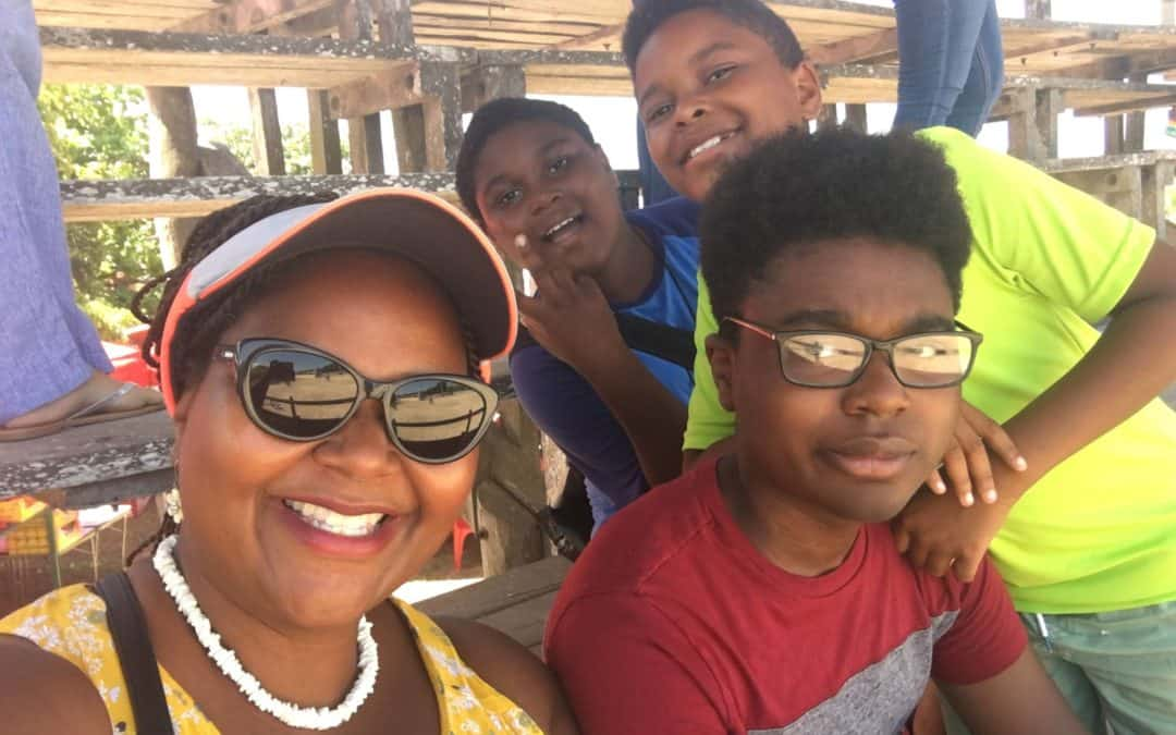 Transition To Travel: Single Mom + 3 Kids Move To Mexico (Jenita's Story)